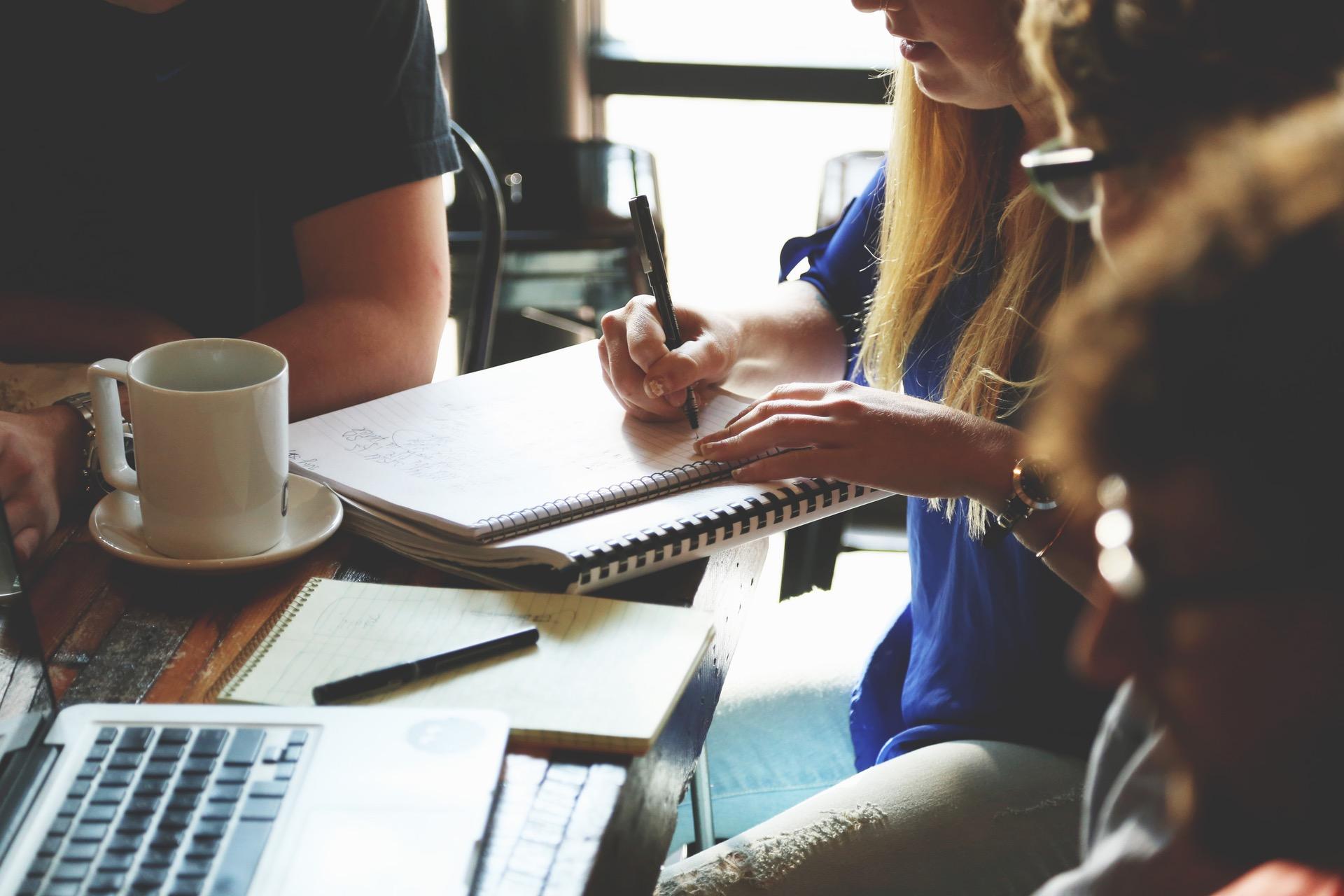 4 razões para contratar uma agência de Design e Copywriting